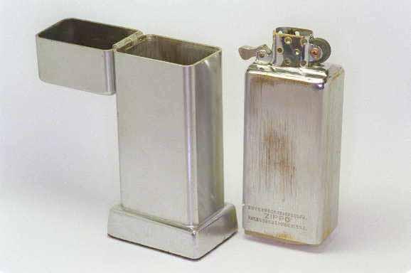 [Datation] Les Zippo Table Lighter 1939-1940-1er-bar...-insert--5268801