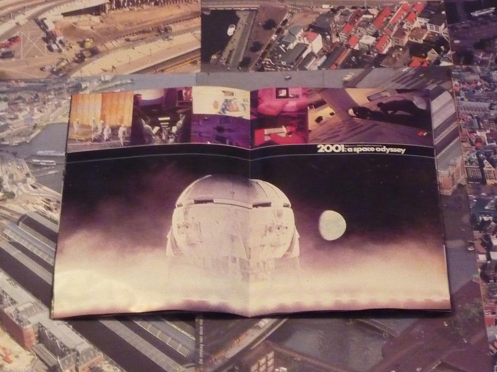 quelques livres sur 2001 odyssée de l'espace Tip1230888-49c8a2e