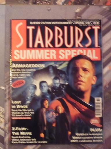quelques livres sur 2001 odyssée de l'espace Ti29-p1230378-497422a