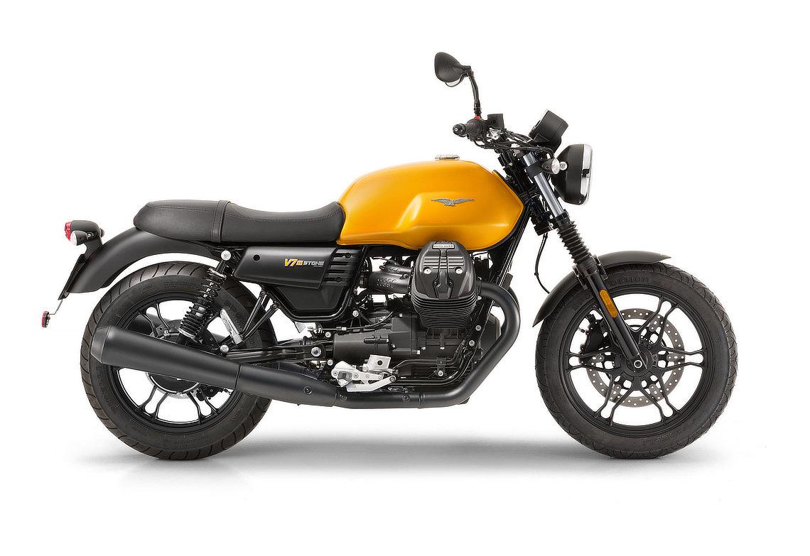 GUZZI  V9 ROAMER  et puis non, finalement STROM 2019 Moto-guzzi-v7iii-stone_03-55e029f