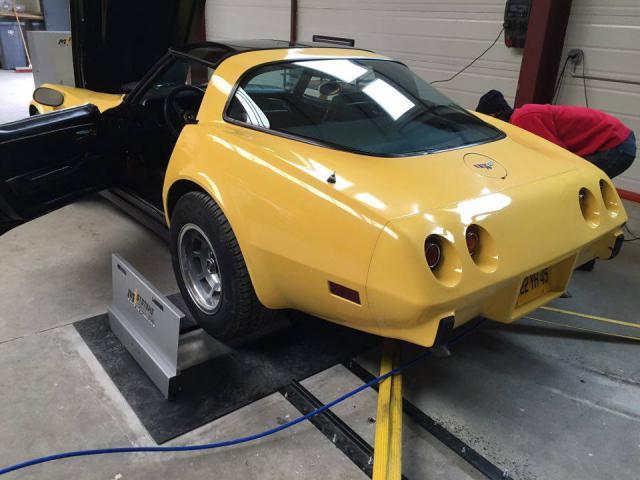 restauration corvette ou plutôt un petit lifting pour noel - Page 3 42-5197bd6