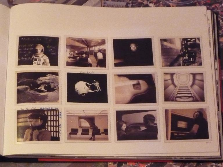 quelques livres sur 2001 odyssée de l'espace Ti81e-p1230621-497445d