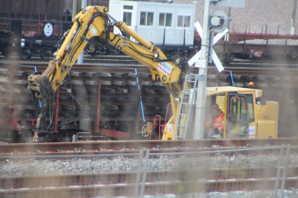Base Travaux  Ferroviaires et Maintenance -LGV Tours Bordeau Img_1223b-4de89ef