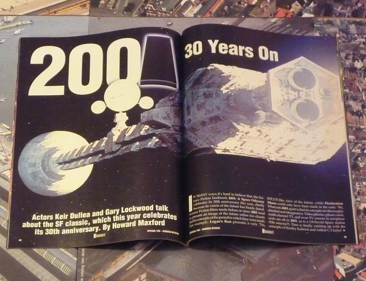 quelques livres sur 2001 odyssée de l'espace Ti27-p1230377-4974219