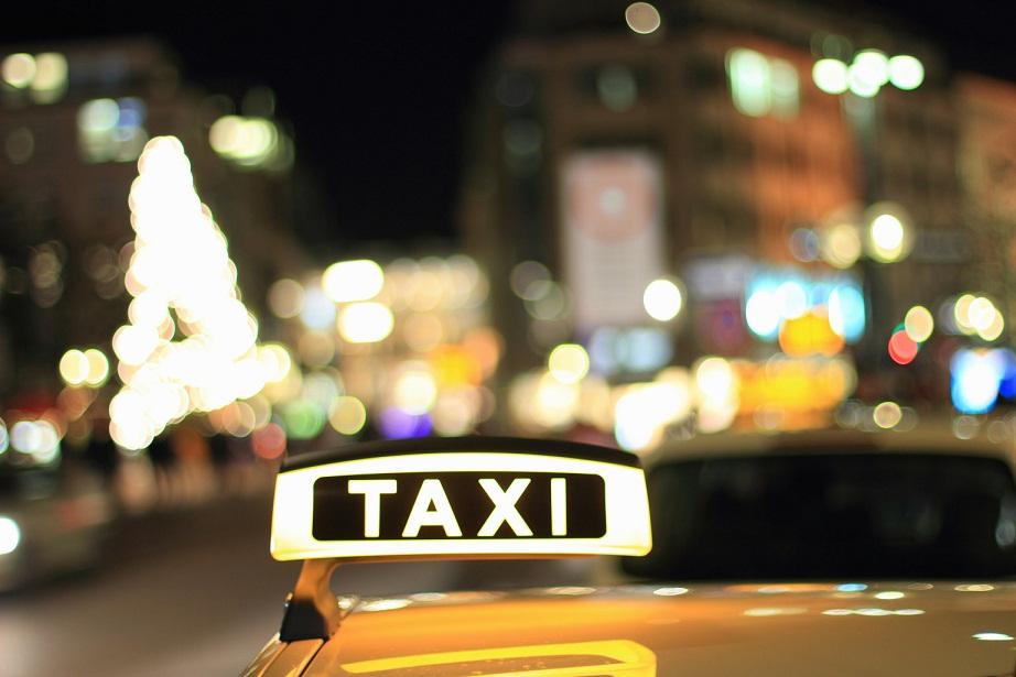 http://img110.xooimage.com/files/2/8/d/taxi-472ed37.jpg