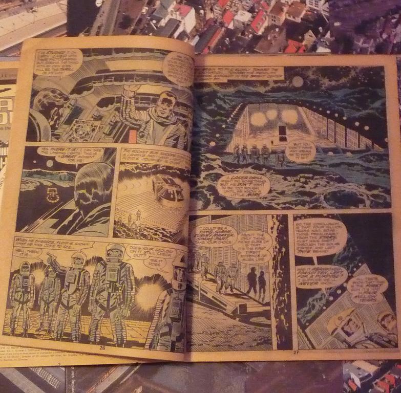 quelques livres sur 2001 odyssée de l'espace Ti58-p1230086-49743a4