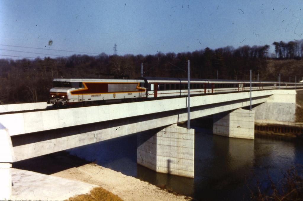 Nez coupé sur un viaduc en Béton Viaduque-b-ton-4fd6b96