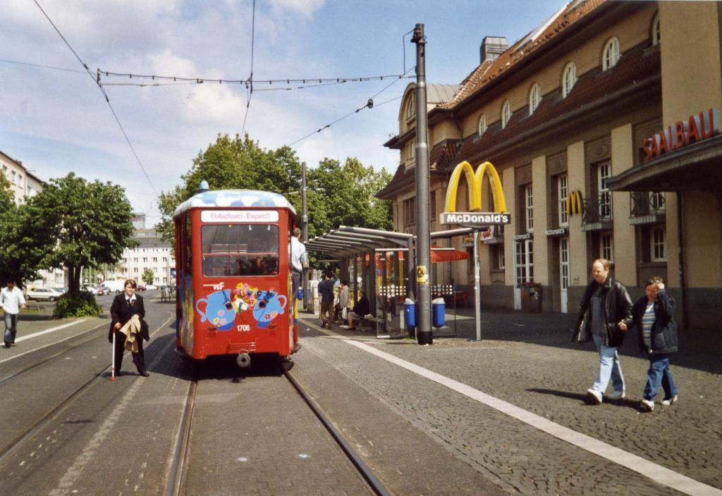 Tram touristique de Frankfurt  Frankfort-1-4ab2a7b