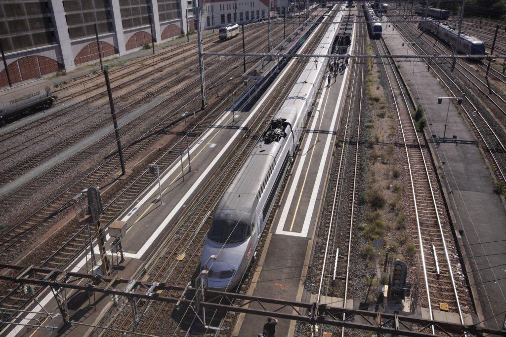 TGV  à Poitiers  Img_0052-48aaed7