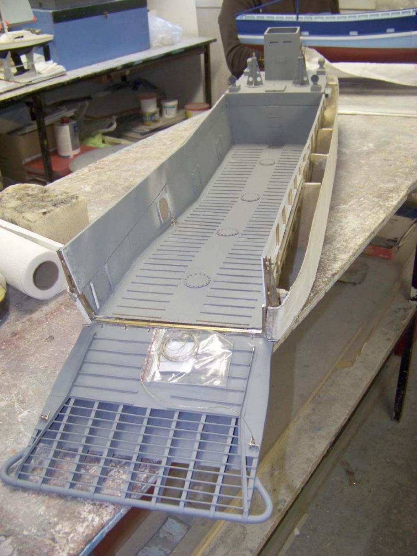 Barge LCM 6 au 1/16e - Page 4 109_3580-496228f
