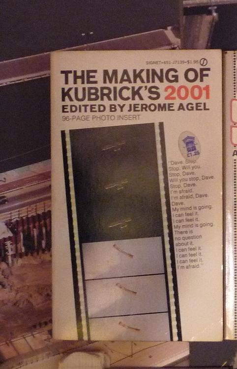 quelques livres sur 2001 odyssée de l'espace Ti11-02-p1050769-4974127