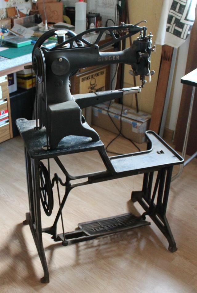 travail du cuir ma 29k71 besoin d 39 aide machines. Black Bedroom Furniture Sets. Home Design Ideas