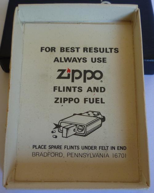 Les boites Zippo au fil du temps - Page 2 Zippo-1981---slim...etian-3--52ed289