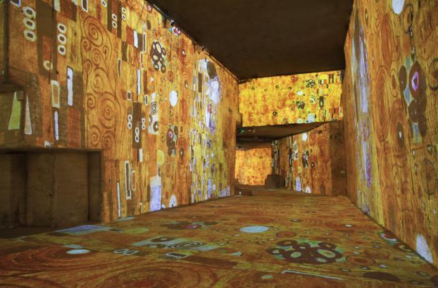 L'atelier des lumières fait le buzz avec Van Gogh Exposition_-klimt...-_-_2014-55d31ec