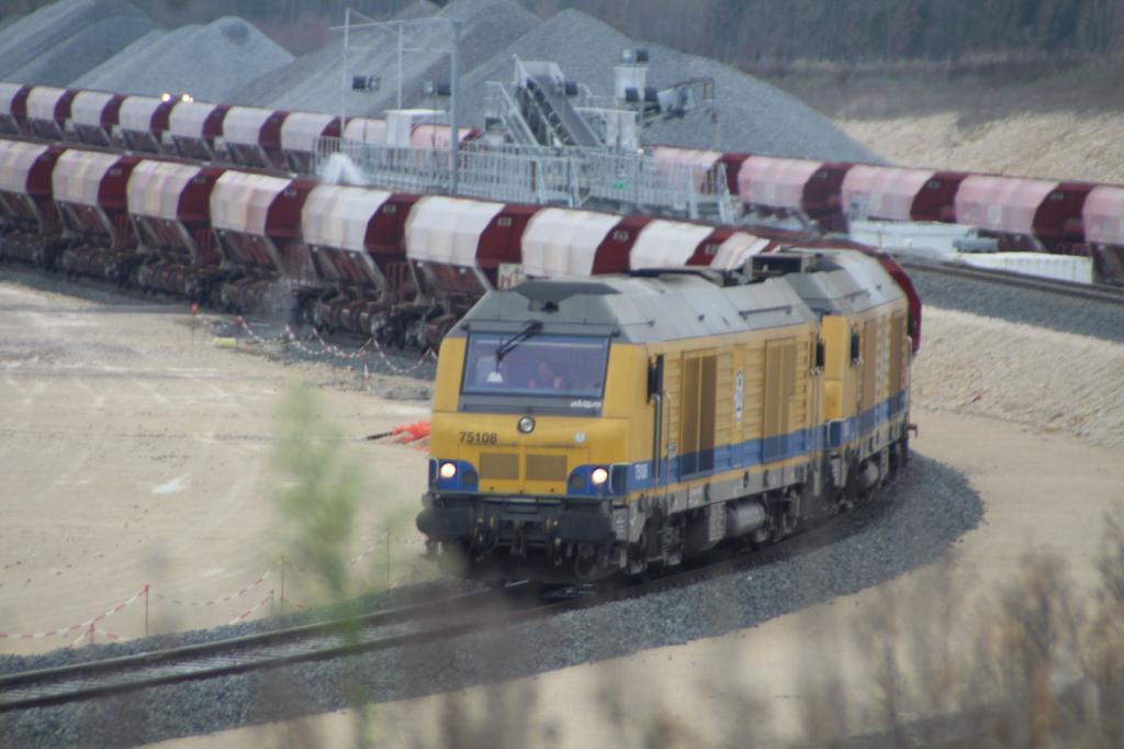 Base Travaux  Ferroviaires et Maintenance -LGV Tours Bordeau Img_1265-4e2a220