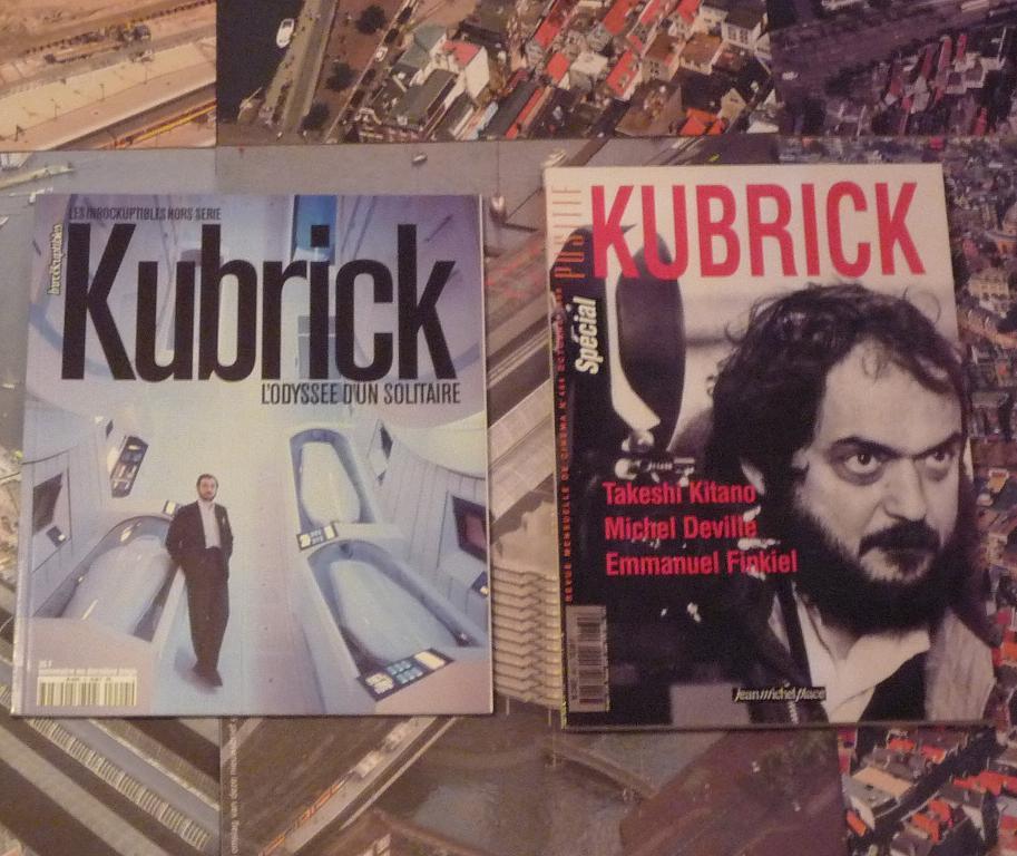 quelques livres sur 2001 odyssée de l'espace Ti84-p1230328-4974486