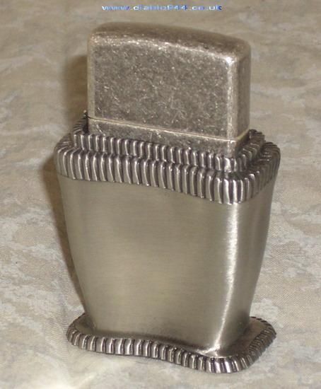 [Datation] Les Zippo Table Lighter 1998-lady-barbara-v1-526909e