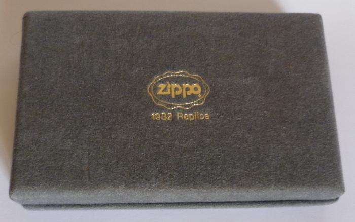 Les boites Zippo au fil du temps - Page 2 Zippo-1989-1992--...-1932-1--5251e63