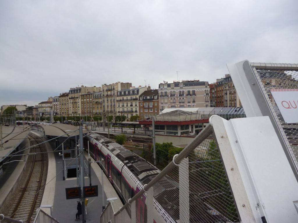 La gare de Bécon les Bruyères Becon2-52386fb