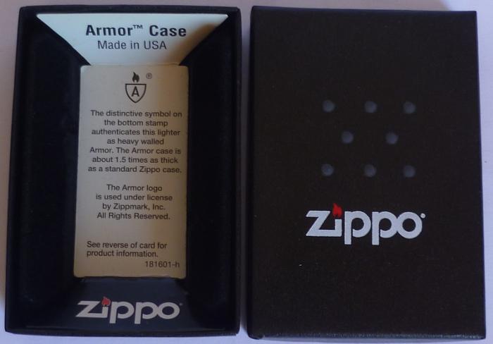 Les boites Zippo au fil du temps - Page 2 Zippo-2016-janvie...-1603-1--527c307