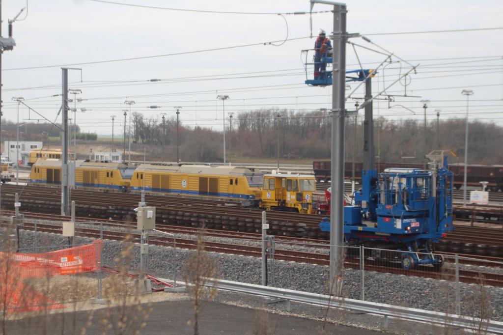 Base Travaux  Ferroviaires et Maintenance -LGV Tours Bordeau Img_1232-4dee123
