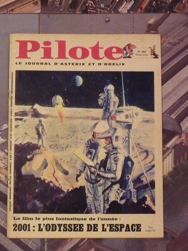 quelques livres sur 2001 odyssée de l'espace Ti49-p1230034-4974331