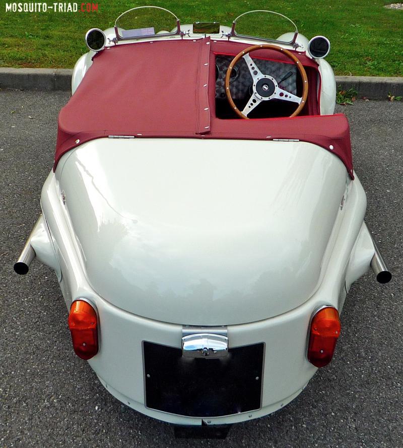 Mosquito (kit-car à 3 roues sur base Mini) P1140702_2_2-47c4f8f