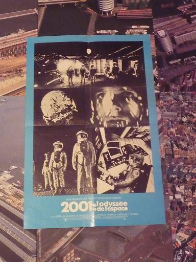 quelques livres sur 2001 odyssée de l'espace Ti33-p1220962-497426b
