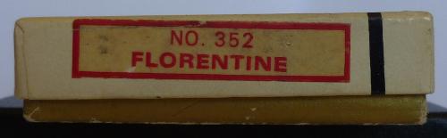 Les boites Zippo au fil du temps Zippo-1974---flor...etian-1--52ee14f