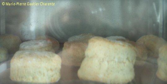 La cuisine, vous aimez ? - Page 2 E-et-cie-scones0208-470b883
