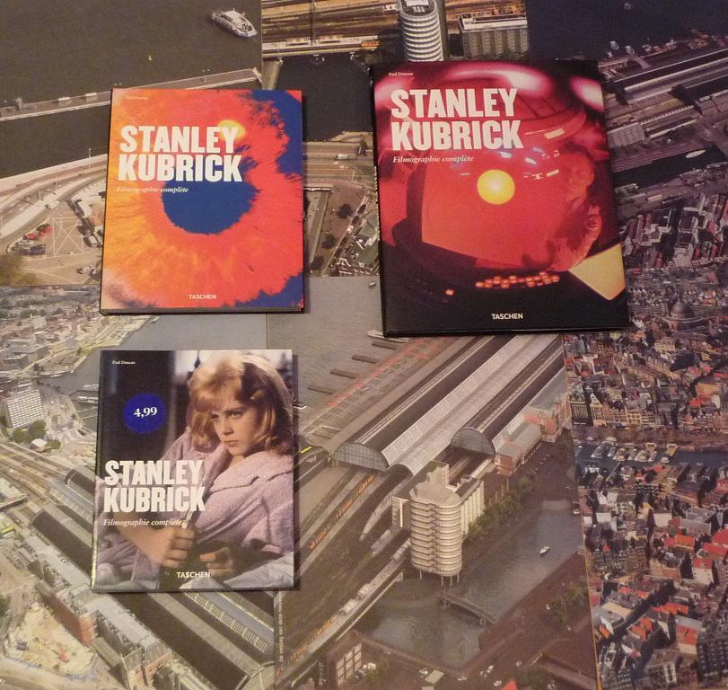quelques livres sur 2001 odyssée de l'espace Ti79-p1220824-497443e
