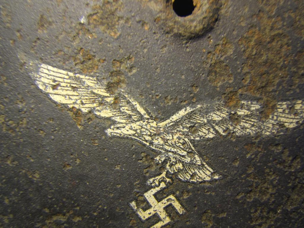 M40 coque Luftwaffe - 1 insigne  Dscf6318-47b7fa9