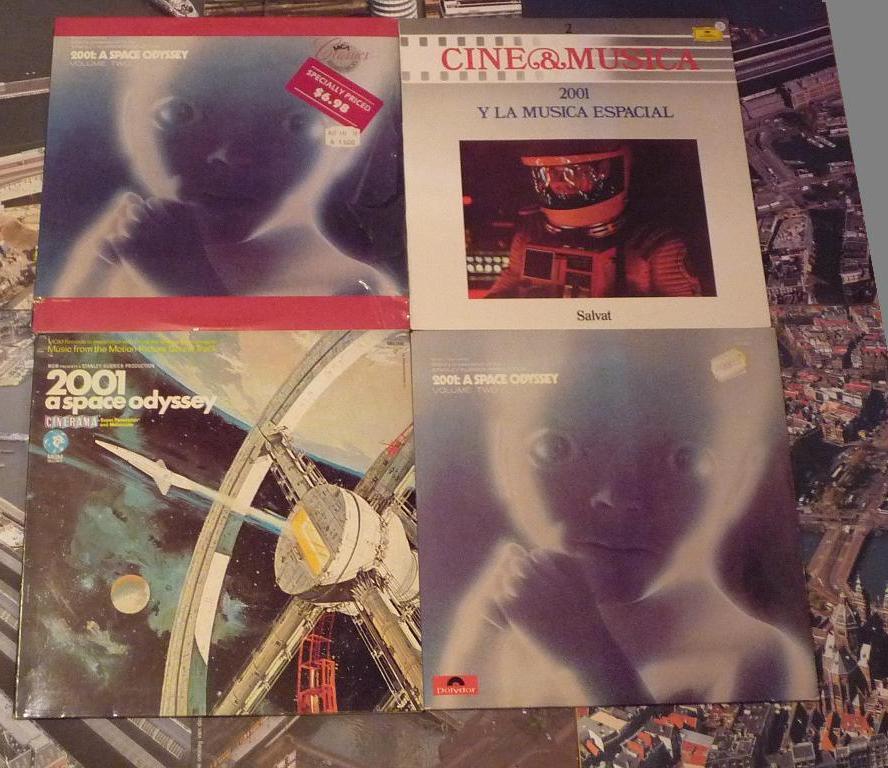quelques livres sur 2001 odyssée de l'espace Ti40-06-p1060950-49742bb