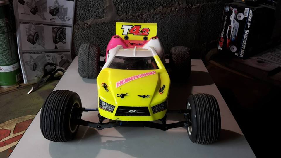 RC10 T4.2 RS RTR BRUSHLESS / 2.4 Ghz 10670147_14841693...543758_n-47ee4d4