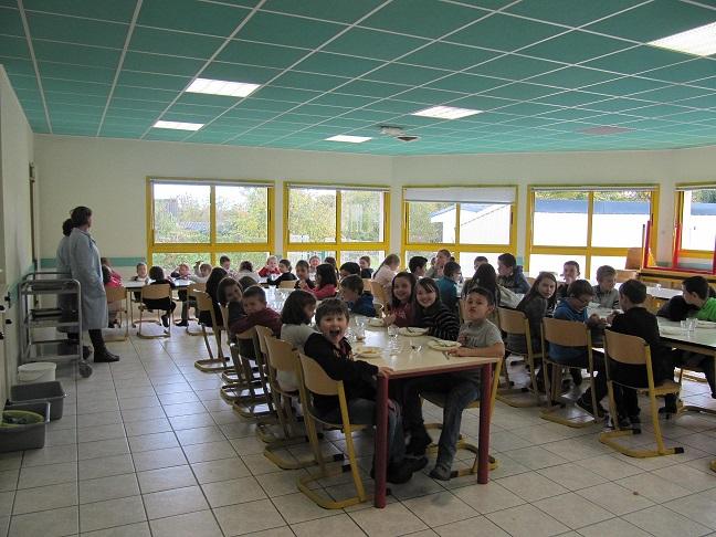 Landeleau site officiel de la commune cantine scolaire for Emploi cuisinier cantine scolaire
